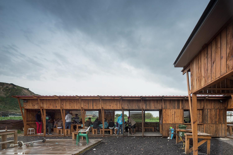 Cozinha Comunitária das Terras da Costa / ateliermob + Colectivo Warehouse © Fernando Guerra | FG+SG